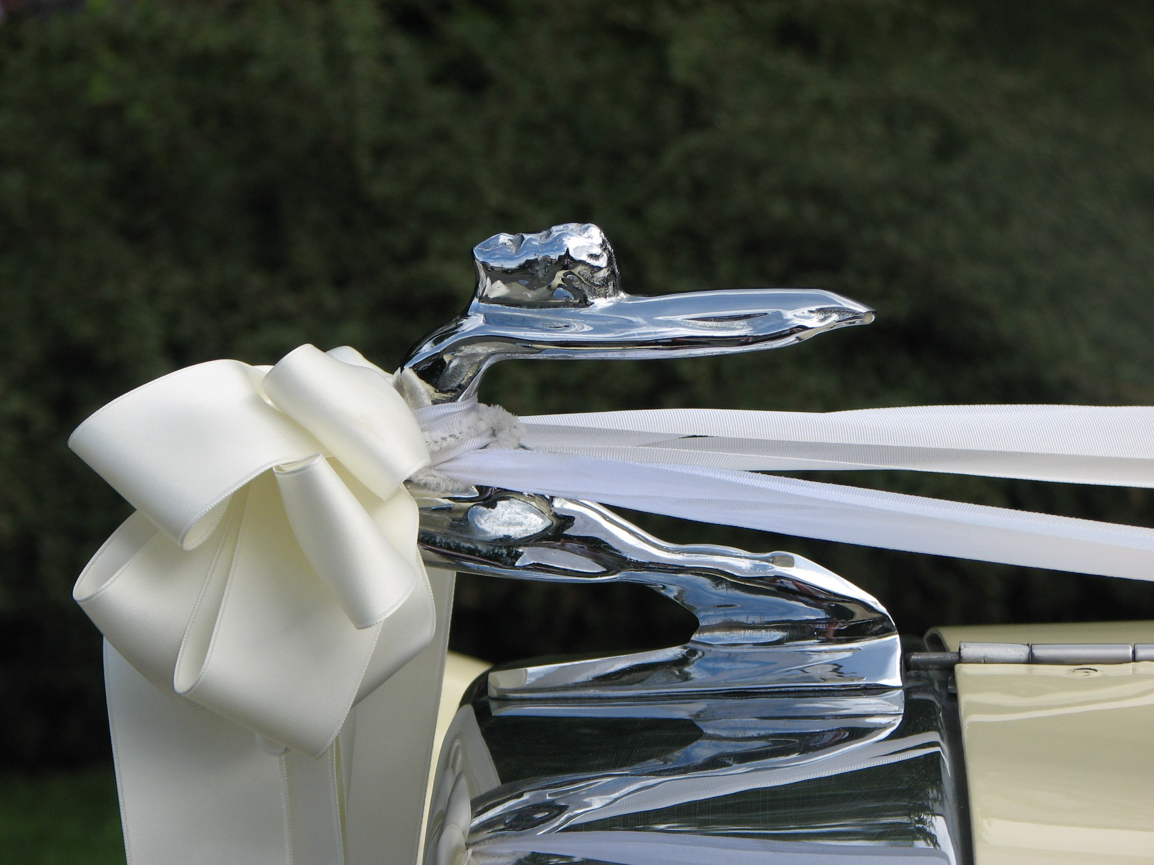 1930 beaufold vintage wedding car dressed up