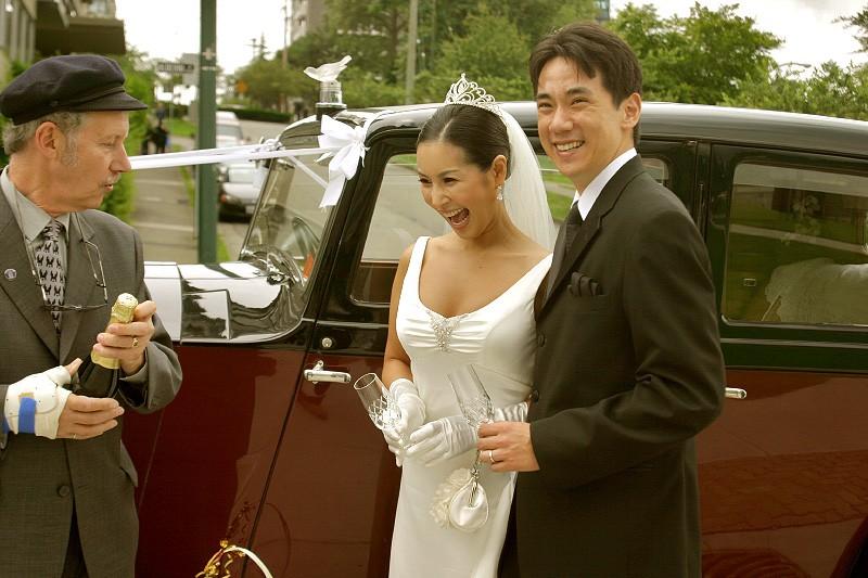 vancouver-vintage-wedding-cars-bride2