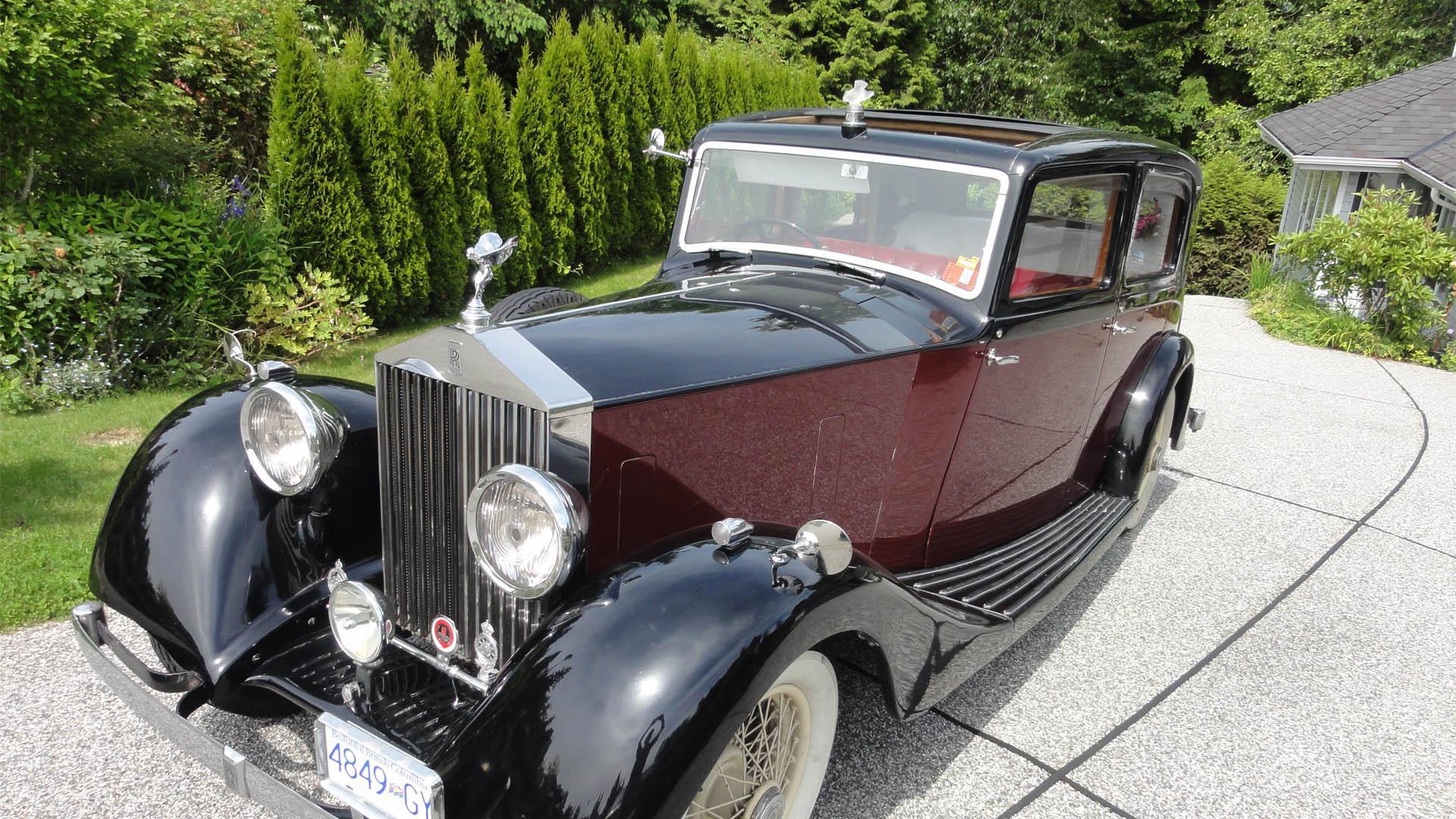 1935-rolls-royce-vintage-wedding-car-vancouver